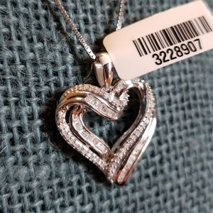 BNWT Gorgeous Genuine Diamond .925 Pendant & Chain